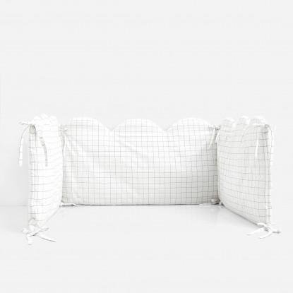 Tour de lit à carreaux